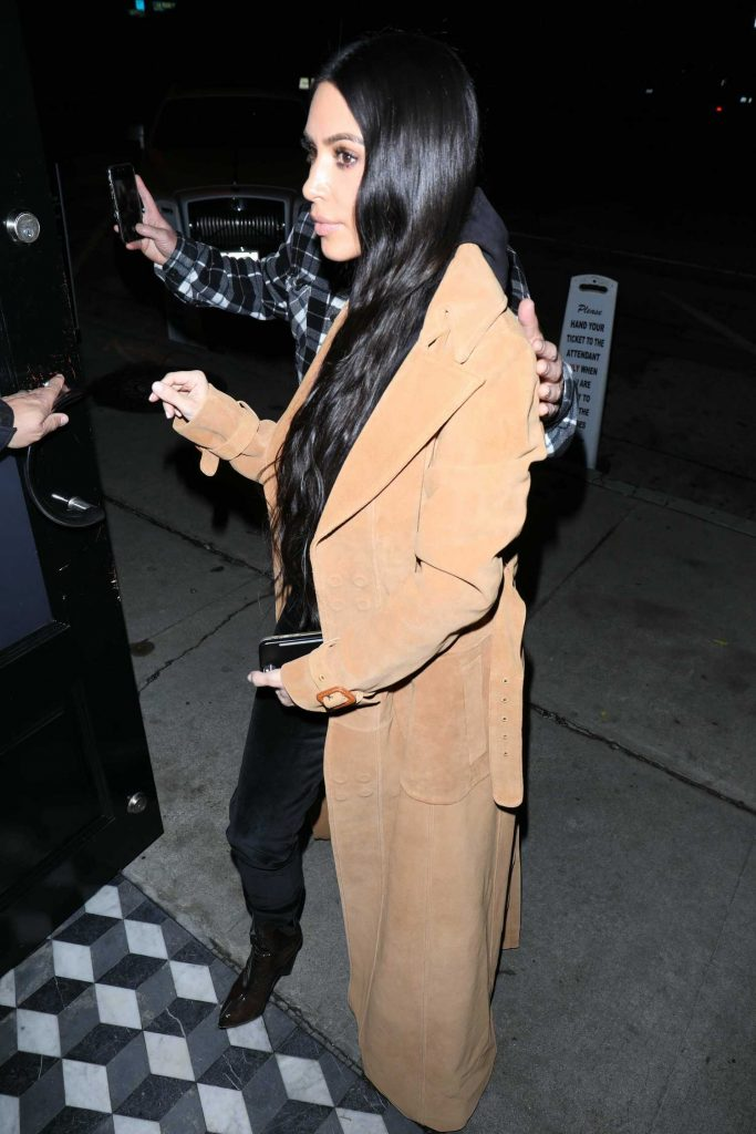 Kim Kardashian Arrives for Dinner at Craig's Restaurant in West Hollywood-4