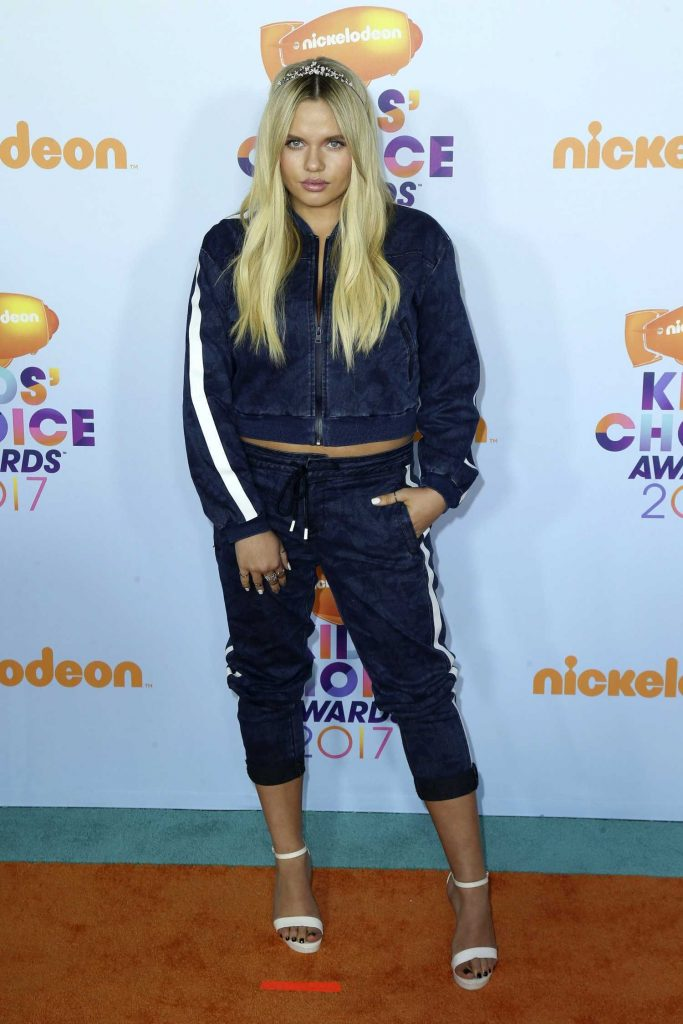Alli Simpson at the 2017 Nickelodeon Kids' Choice Awards in Los Angeles-1