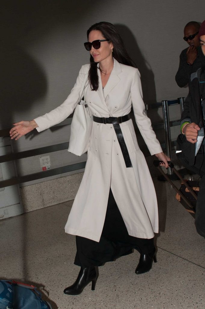 Angelina Jolie Arrives at LAX Airport in LA-4