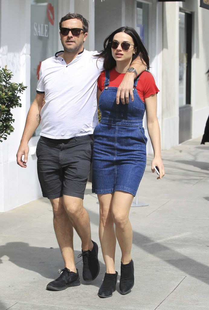 Crystal Reed Was Spotted With Her Boyfriend Darren McMullen Out in Beverly Hills-2