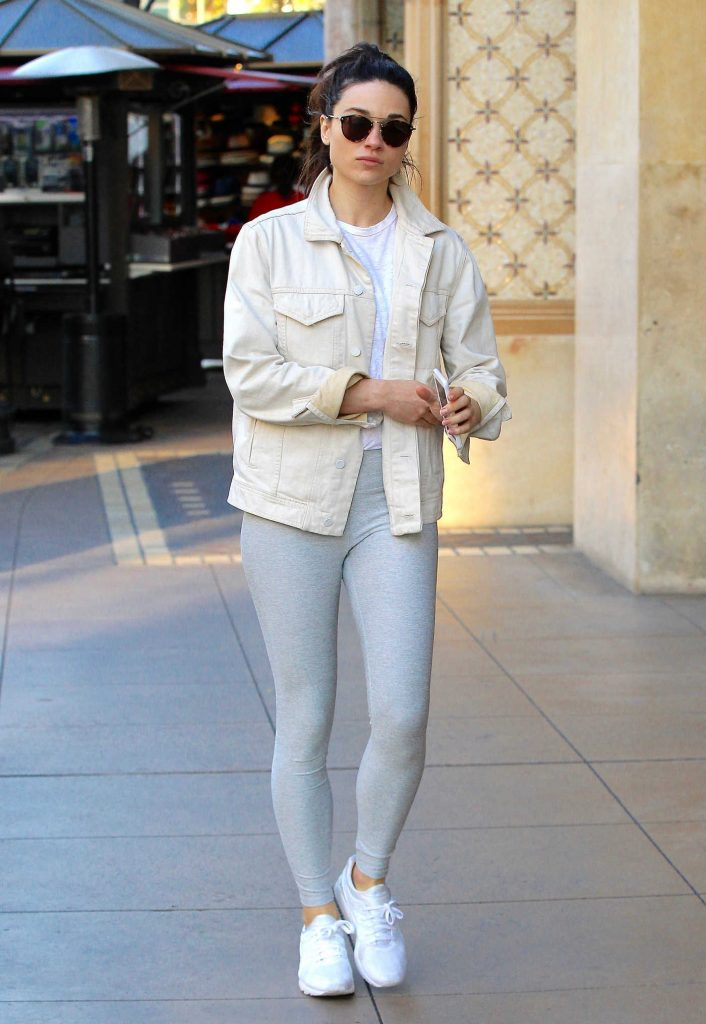 Crystal Reed Wears a Grey Yoga Pants Out in Beverly Hills-2