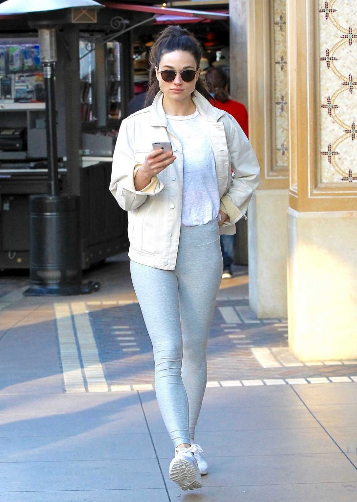 Crystal Reed Wears a Grey Yoga Pants Out in Beverly Hills-3