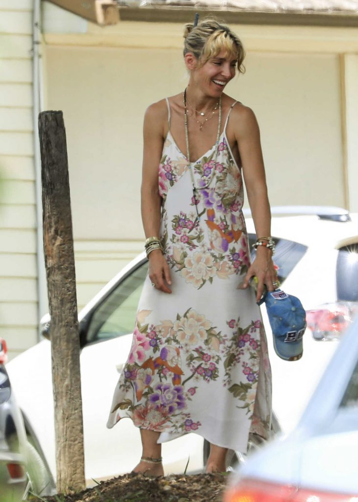 Elsa Pataky Was Seen Out in Byron Bay, Australia-2