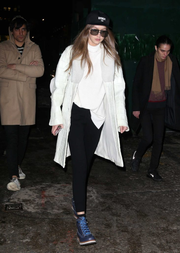 Gigi Hadid Was Spotted Out in New York City-4