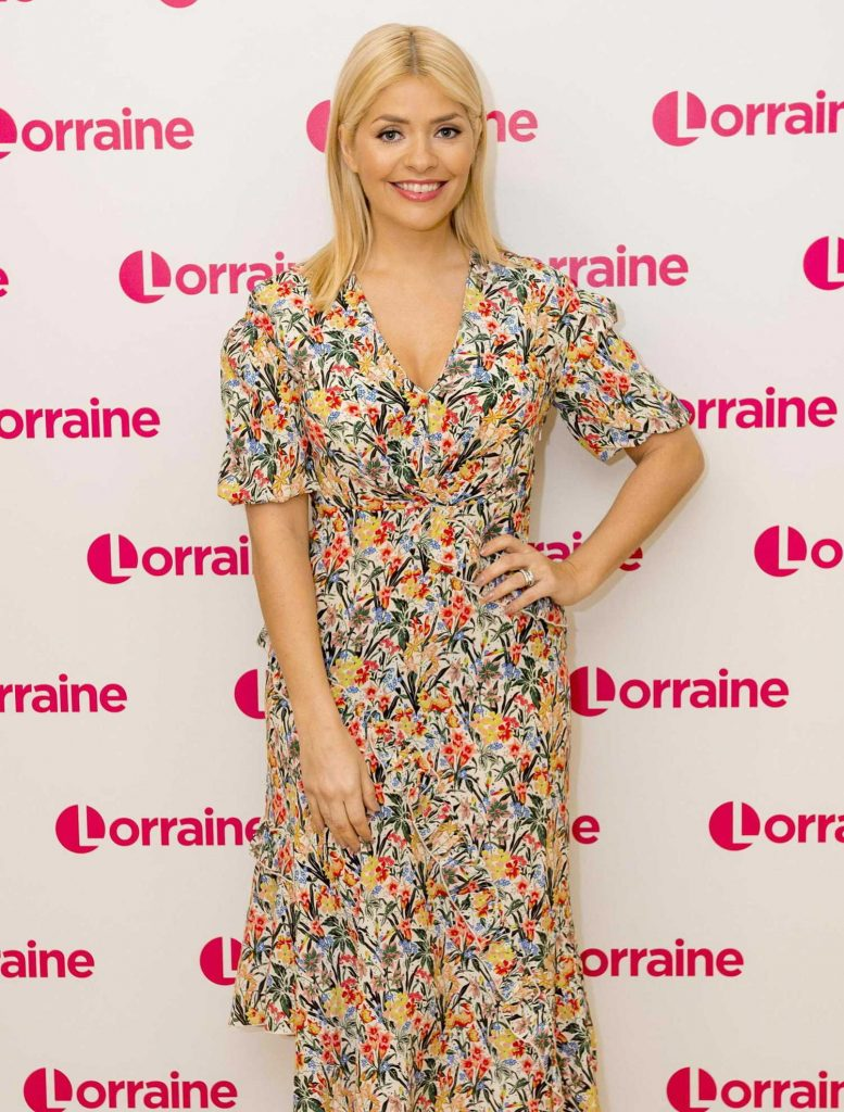 Holly Willoughby Appeares on Lorraine TV Show in London-2