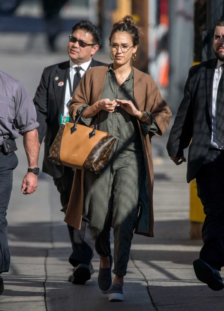Jessica Alba Arrives at Jimmy Kimmel Live in Los Angeles-2
