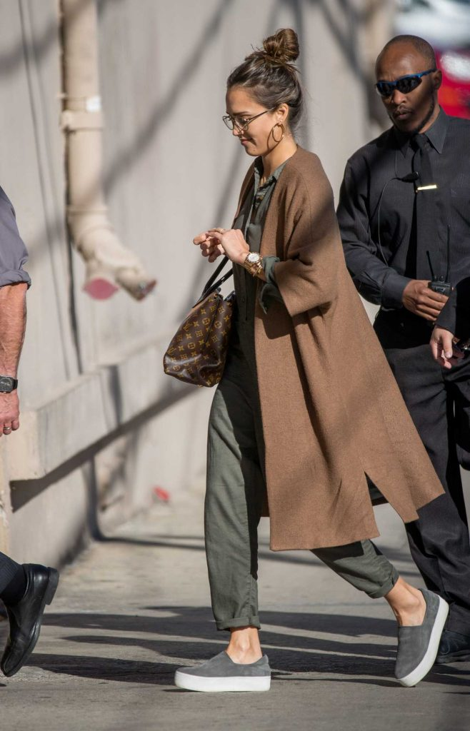 Jessica Alba Arrives at Jimmy Kimmel Live in Los Angeles-5