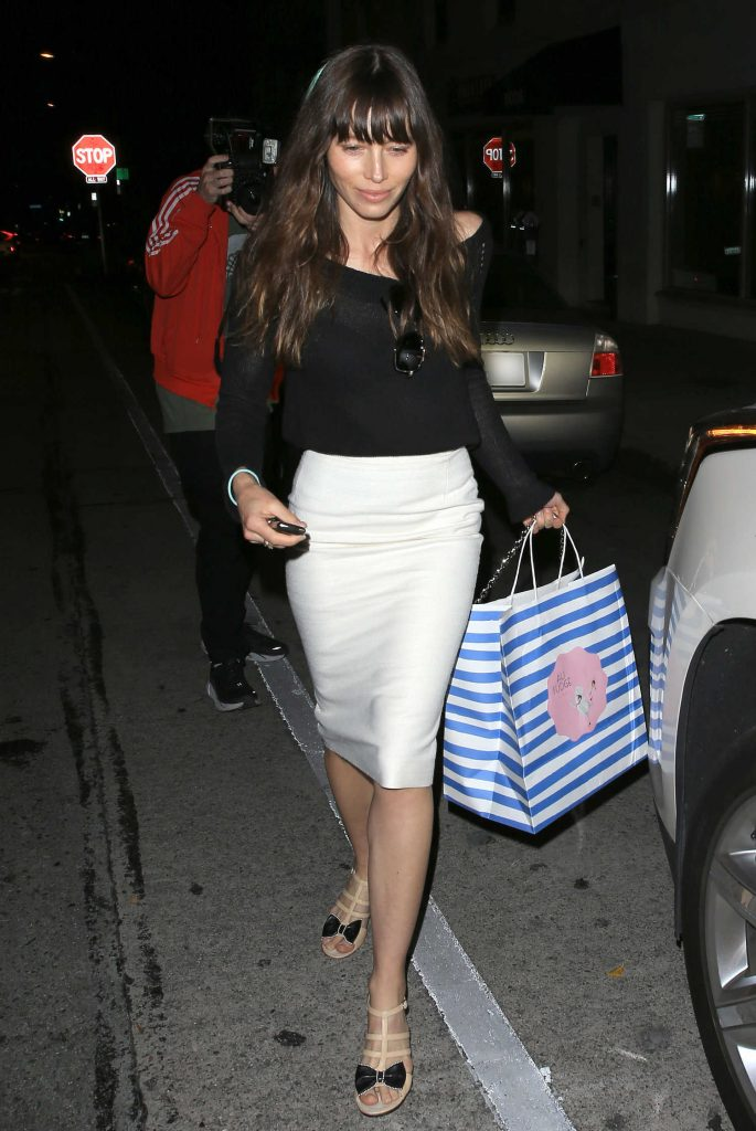 Jessica Biel Leaves Au Fudge in West Hollywood-2