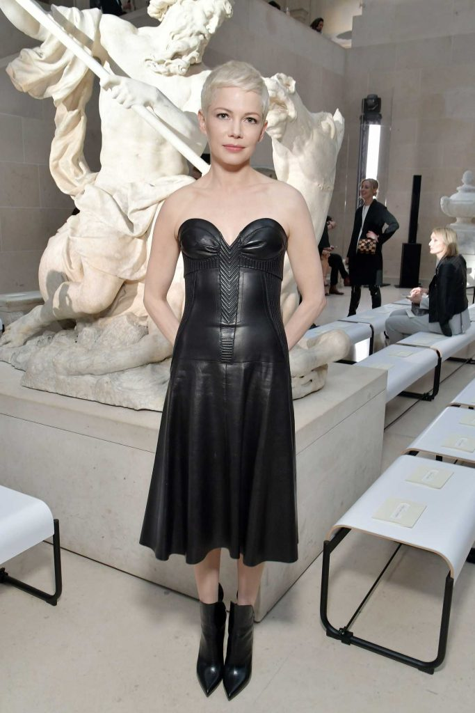 Michelle Williams at the Louis Vuitton Show During the Paris Fashion Week-1