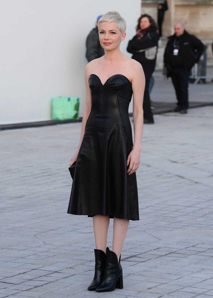 Michelle Williams at the Louis Vuitton Show During the Paris Fashion Week-2