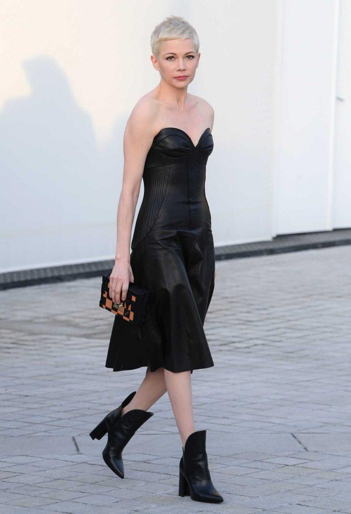 Michelle Williams at the Louis Vuitton Show During the Paris Fashion Week-3