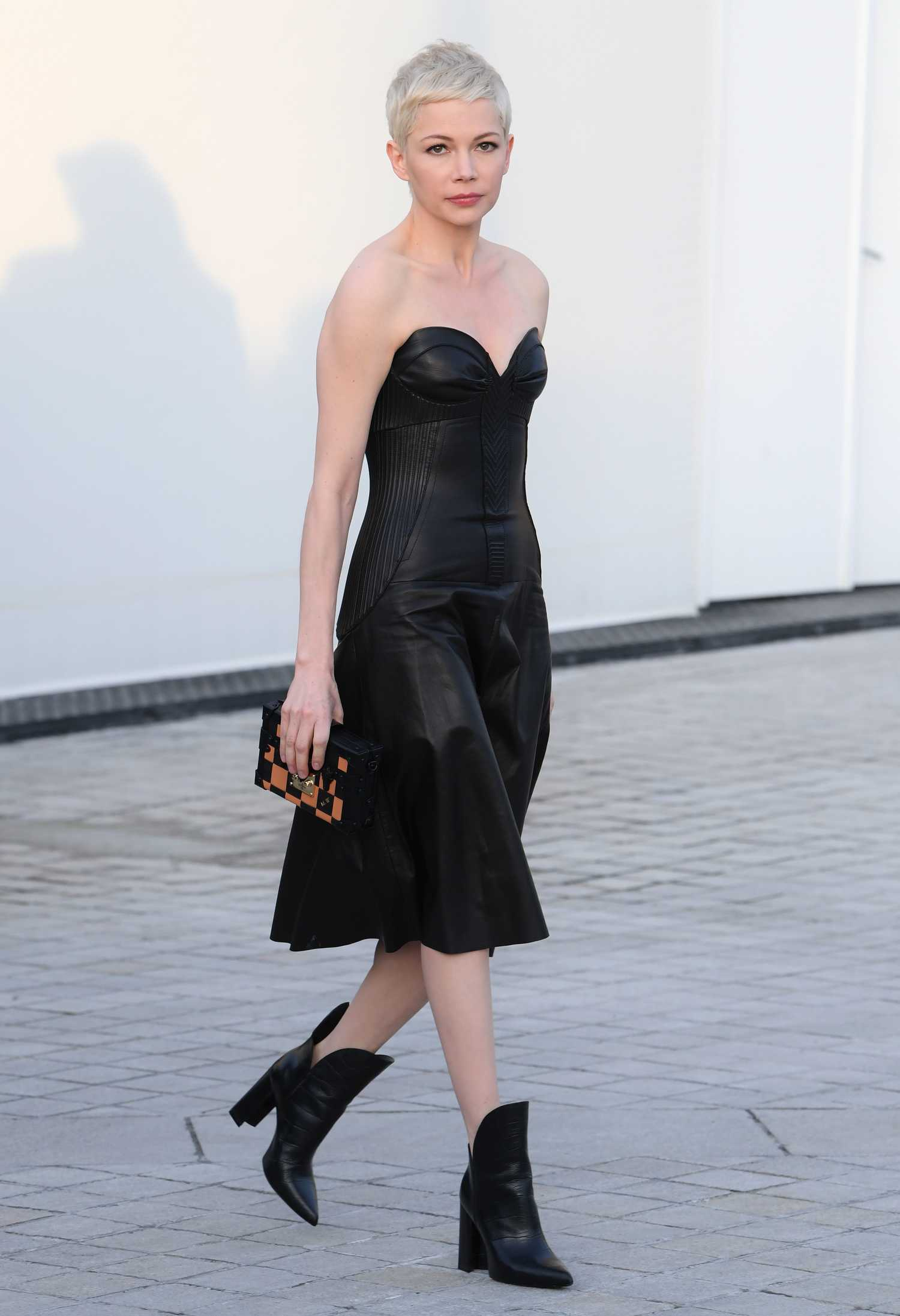Michelle Williams At The Louis Vuitton Show During The