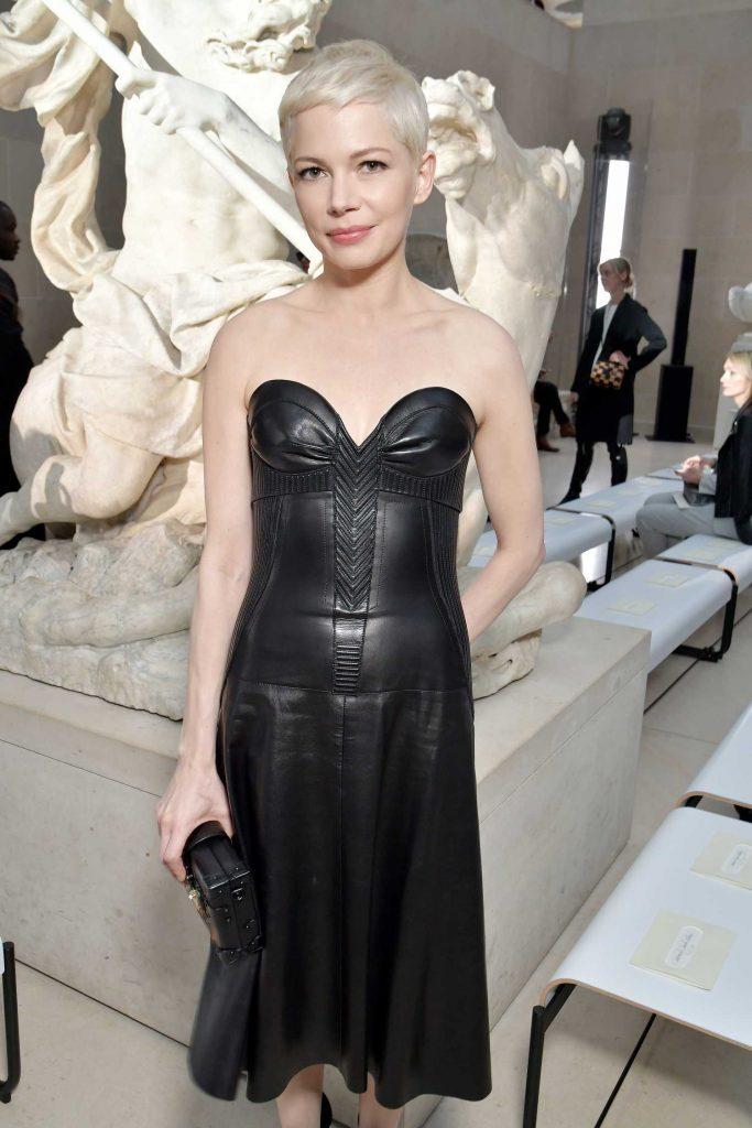 Michelle Williams at the Louis Vuitton Show During the Paris Fashion Week-5
