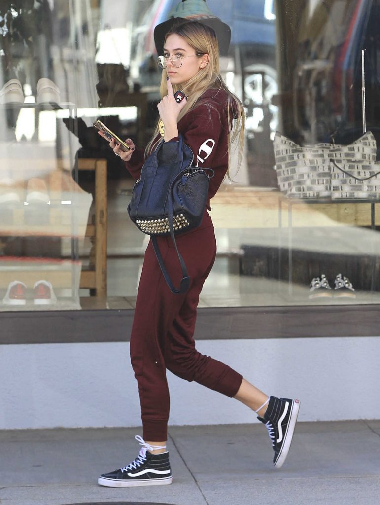 Nicola Peltz Was Seen Out in Beverly Hills-1