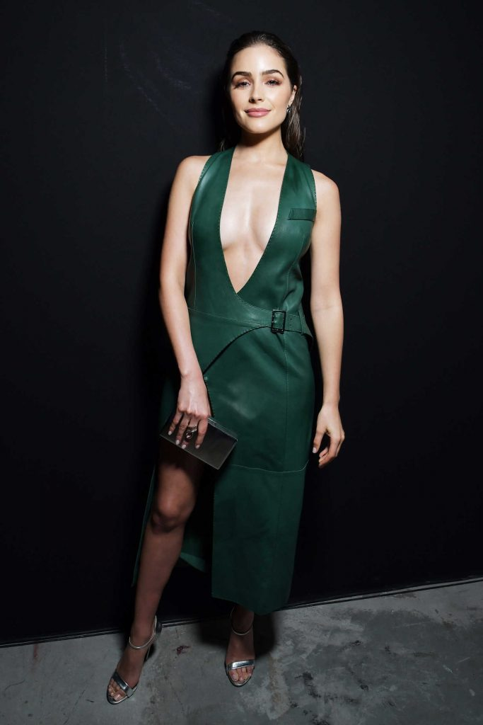 Olivia Culpo at  the Mugler Show Backstage During the Paris Fashion Week-1