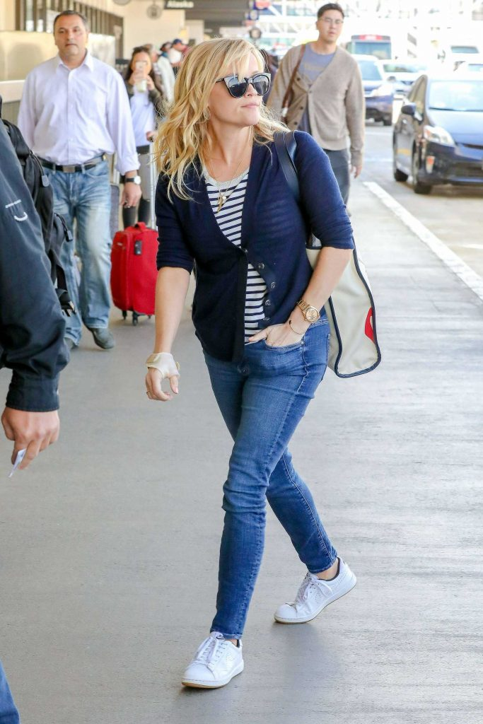 Reese Witherspoon Departs Flight at LAX Airport in LA-1