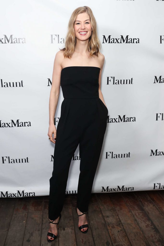 Rosamund Pike at the Max Mara x Flaunt Dinner in Los Angeles-3