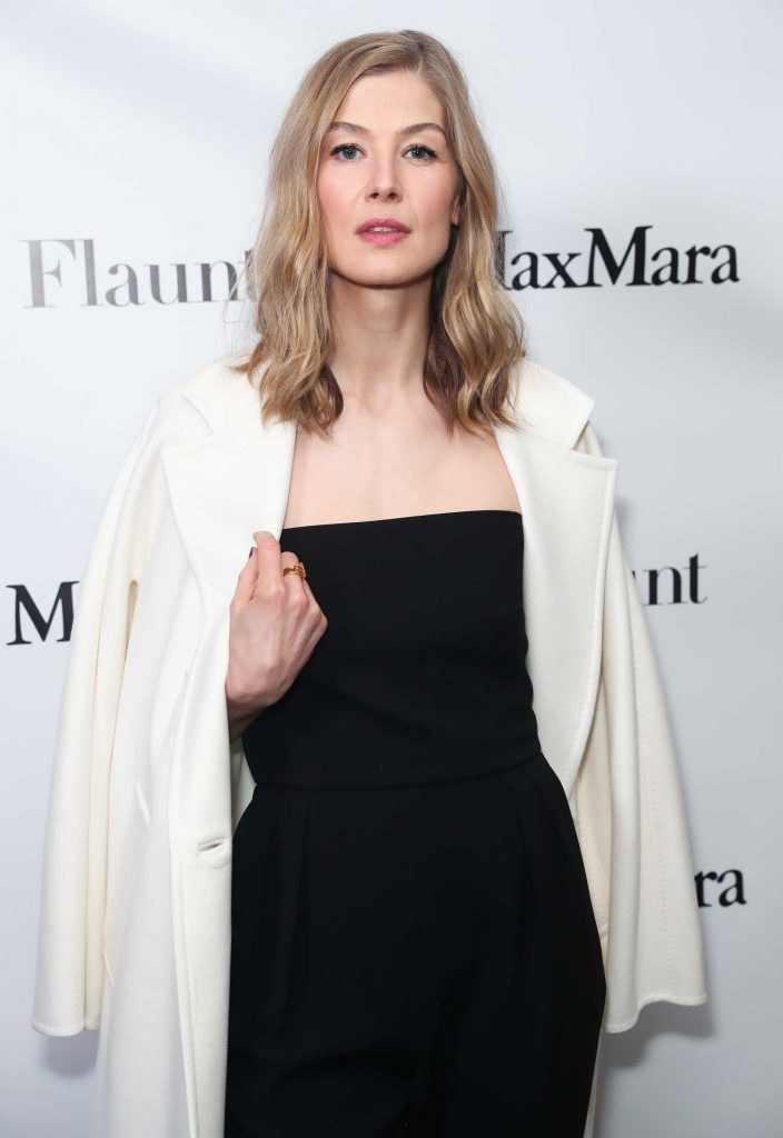 Rosamund Pike at the Max Mara x Flaunt Dinner in Los Angeles-5