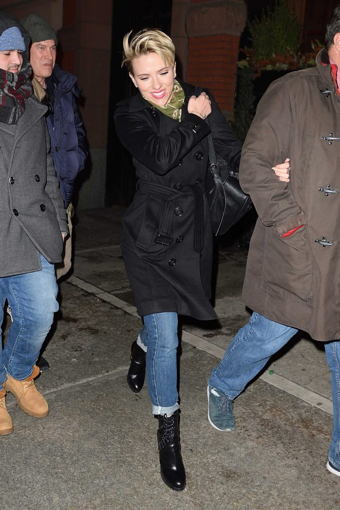 Scarlett Johansson Arrives at the SNL Party in NYC-1