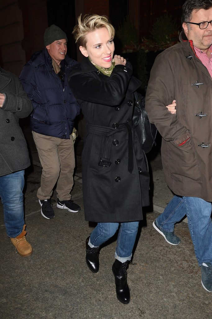 Scarlett Johansson Arrives at the SNL Party in NYC-3