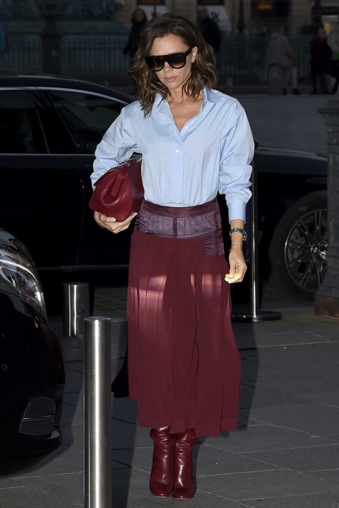 Victoria Beckham Leaves Her otel in Paris-2