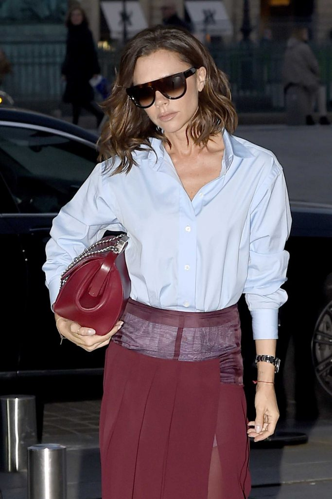 Victoria Beckham Leaves Her otel in Paris-4