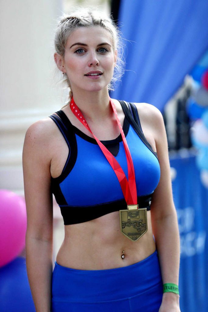 Ashley James Was Seen at the London Marathon-5
