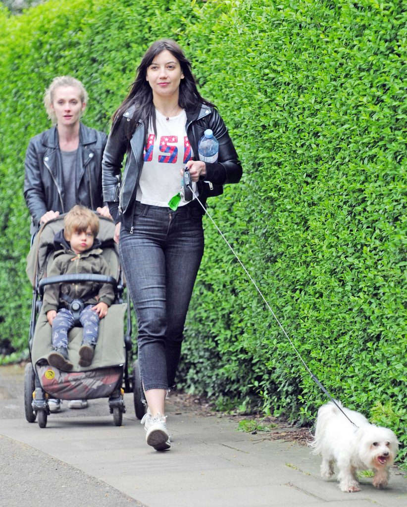 Daisy Lowe Walks Her Dog Out in London-1