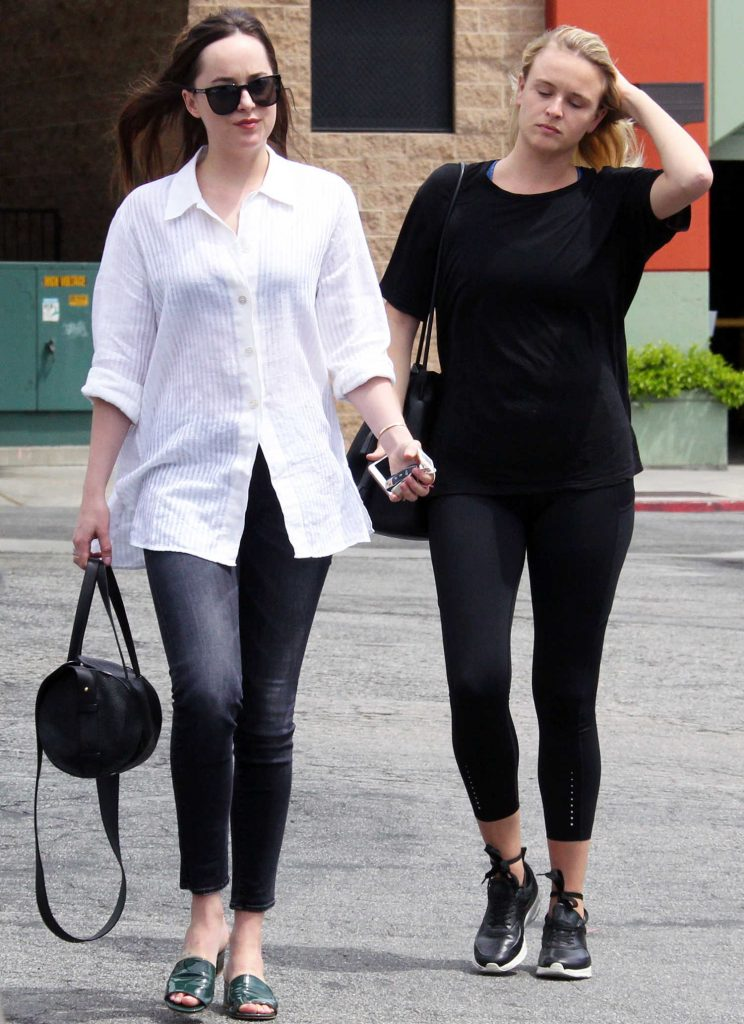 Dakota Johnson Was Seen With Girlfriend in West Hollywood-3