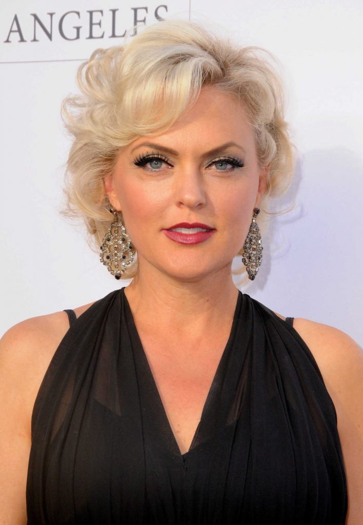 Elaine Hendrix at the Humane Society of the United States' Annual to the Rescue! Los Angeles Benefit in Hollywood-5