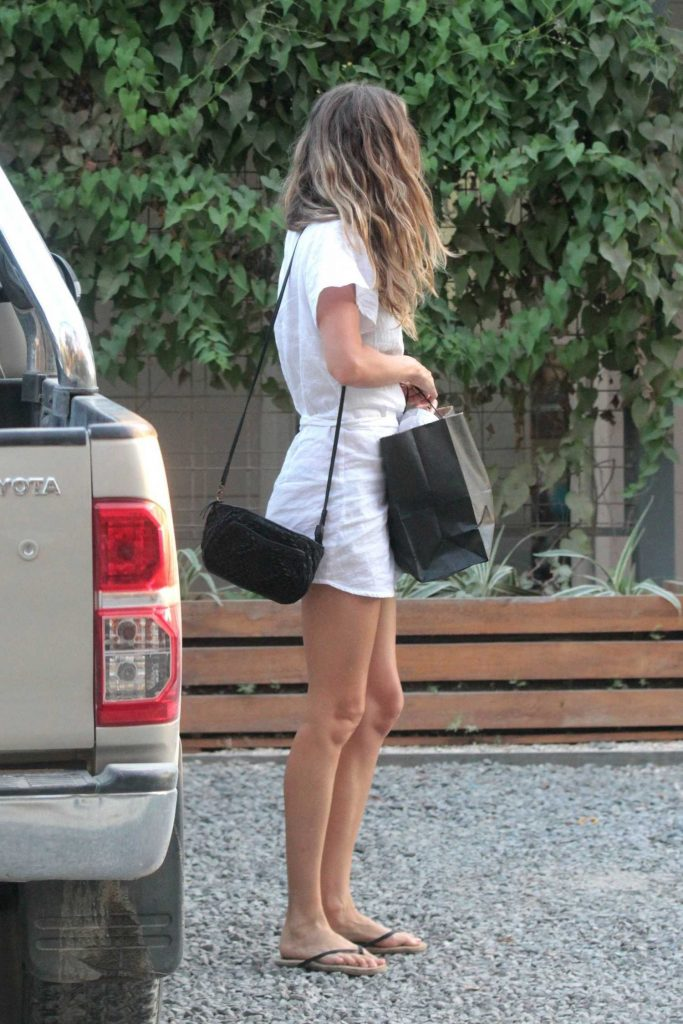 Gisele Bundchen Was Seen Out in Santa Teresa-2