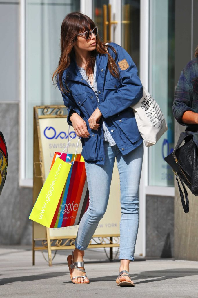 Jessica Biel Out Shopping in New York-1
