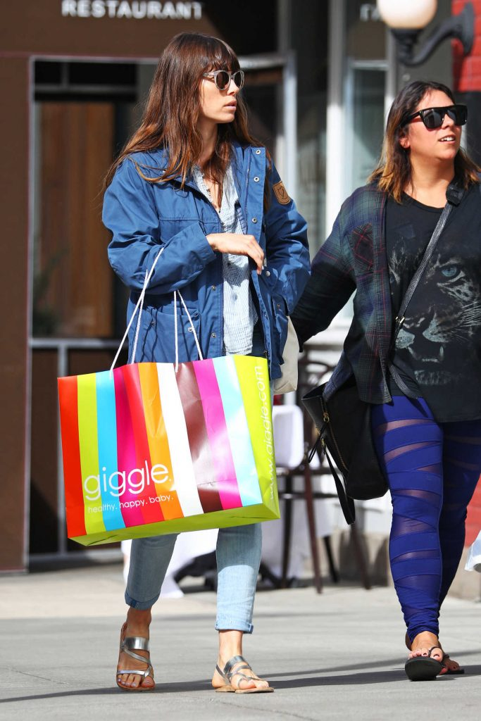 Jessica Biel Out Shopping in New York-2