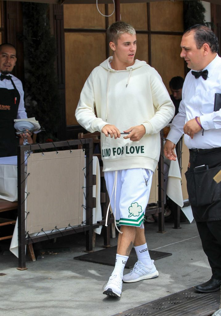 Justin Bieber Was Seen Out in Beverly Hills-2