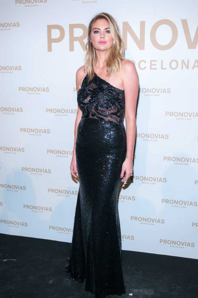 Kate Upton at the Pronovias Catwalk Show Photocall in Barcelona-1