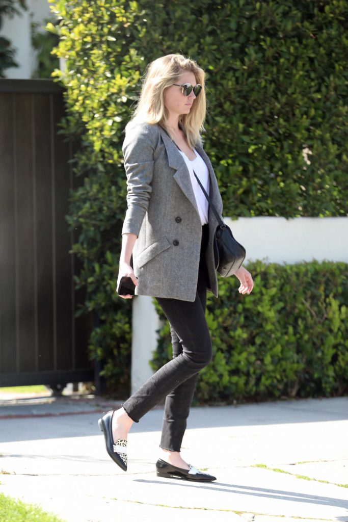 Kate Upton Was Seen Out in West Hollywood-1