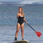 Kendra Wilkinson Goes Paddleboarding in Hawaii