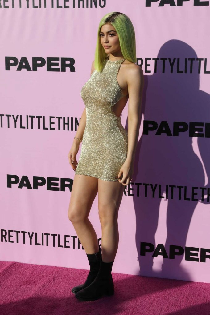 Kylie Jenner Attends Paper Magazine Party at Coachella Valley Music and Arts Festival in Indio-1
