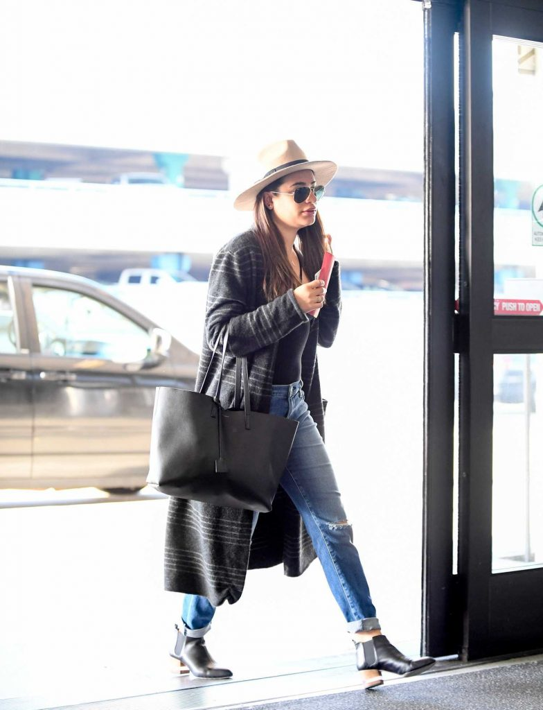 Lea Michele Was Seen at LAX Airport in Los Angeles-1