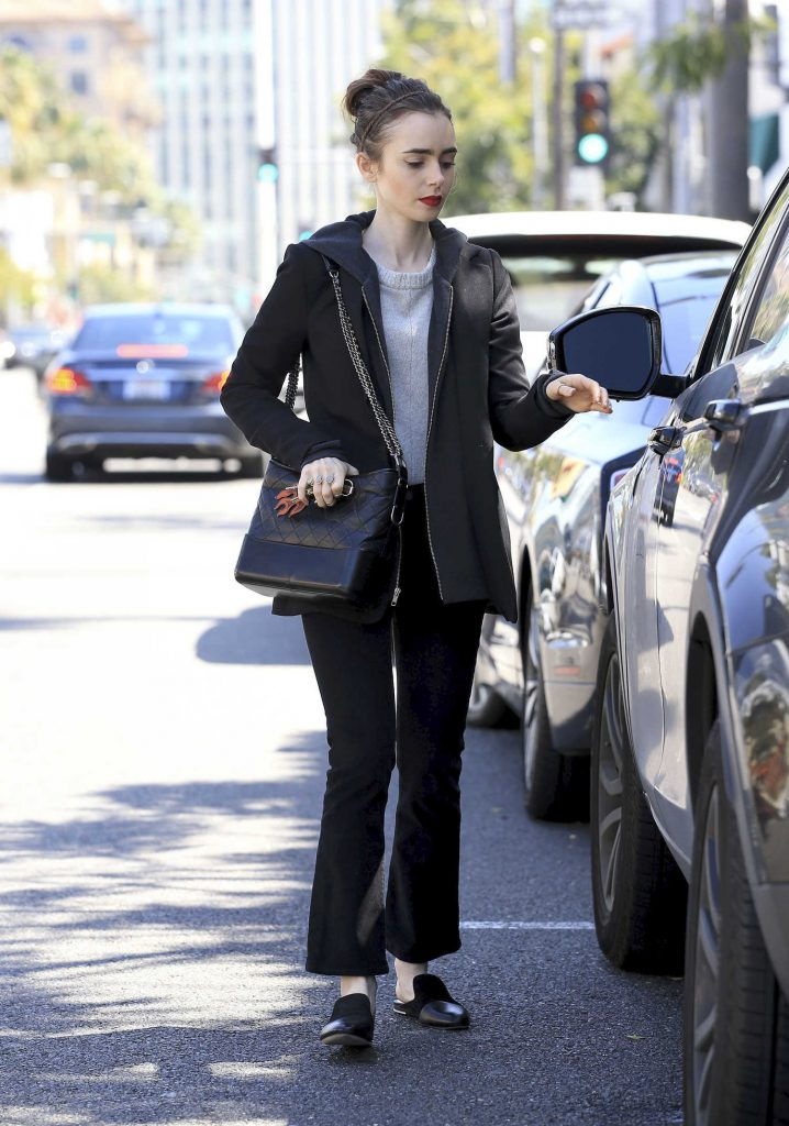 Lily Collins Was Spotted Out in Beverly Hills-4