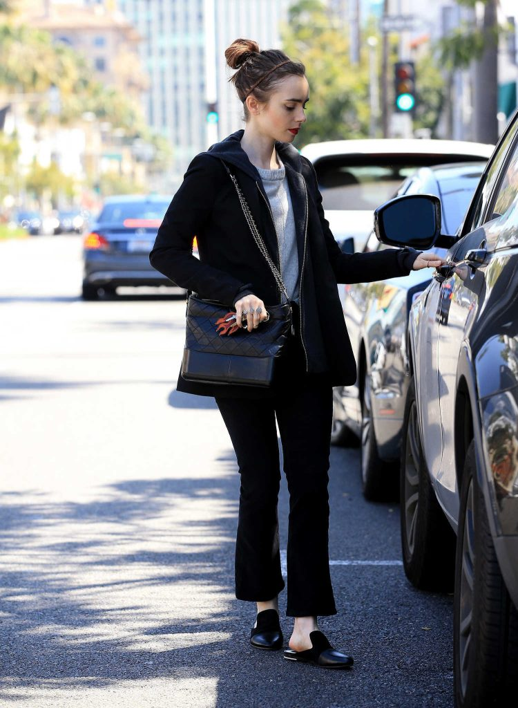 Lily Collins Was Spotted Out in Beverly Hills-5