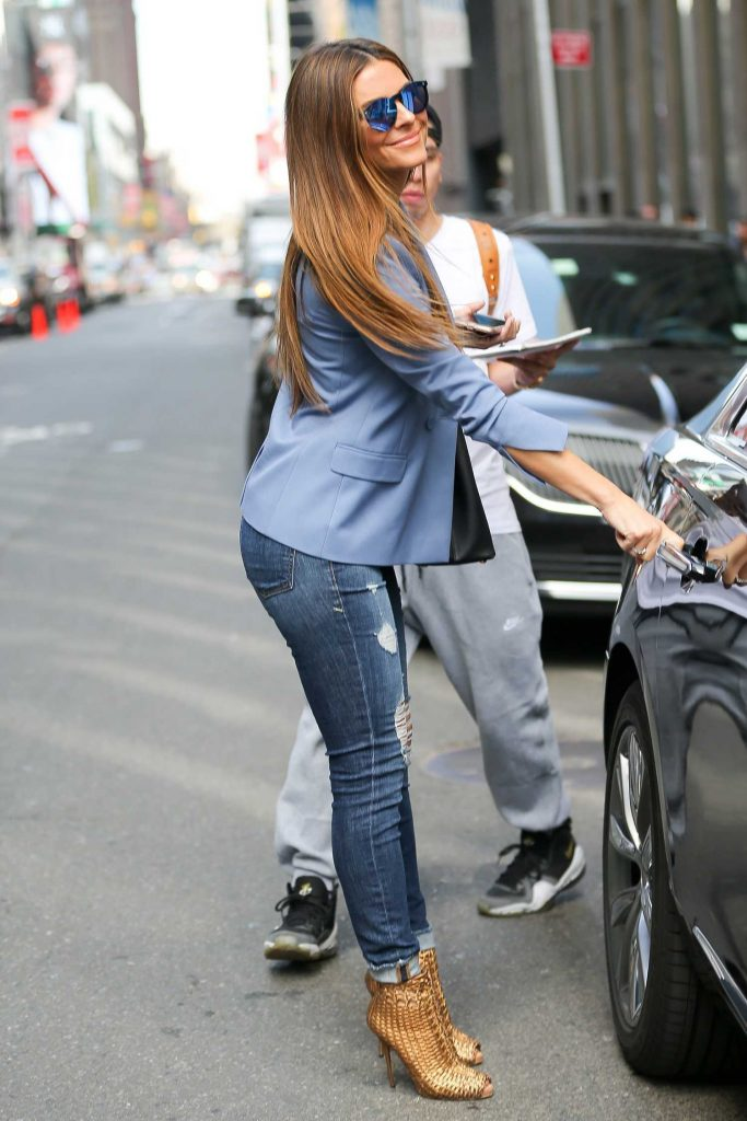 Maria Menounos Was Seen Out in New York-3