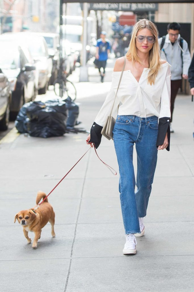Martha Hunt Walks Her Dog in the East Village-1