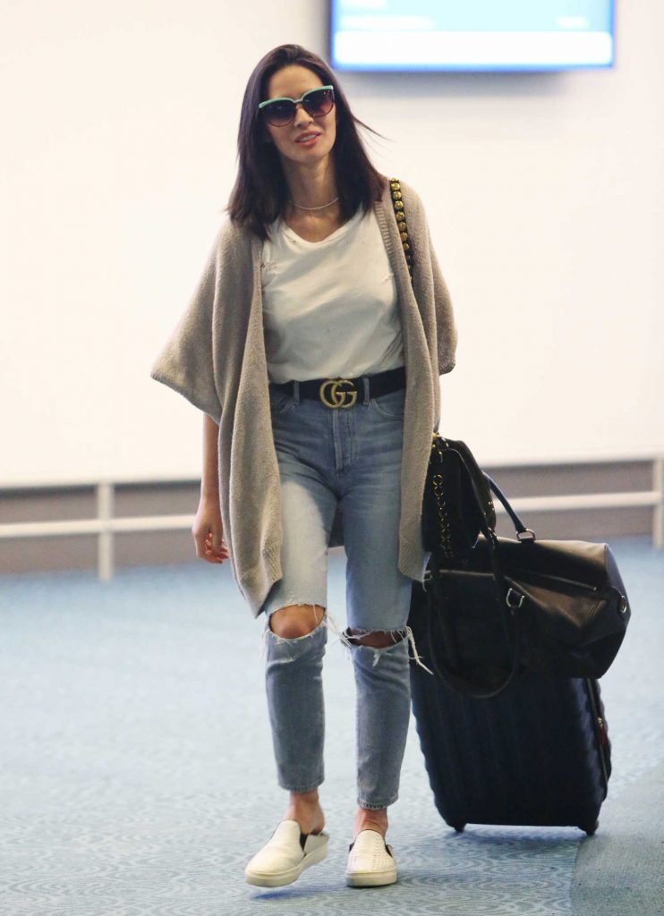 Olivia Munn Touches Down in Vancouver-1