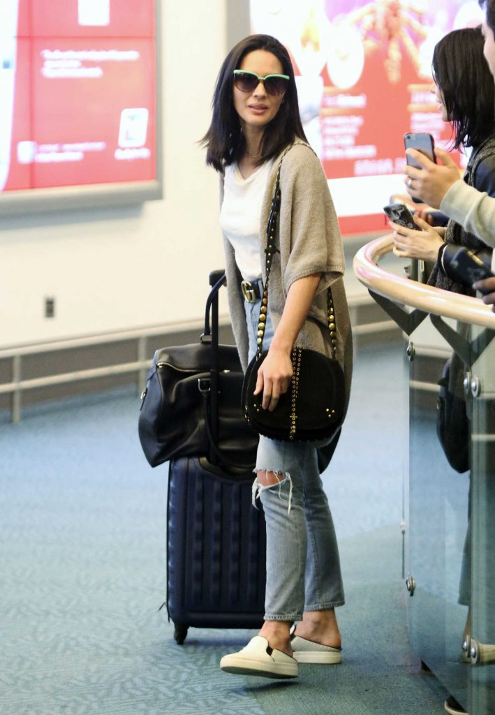 Olivia Munn Touches Down in Vancouver-2