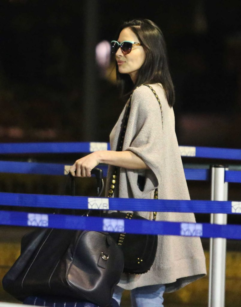 Olivia Munn Touches Down in Vancouver-5