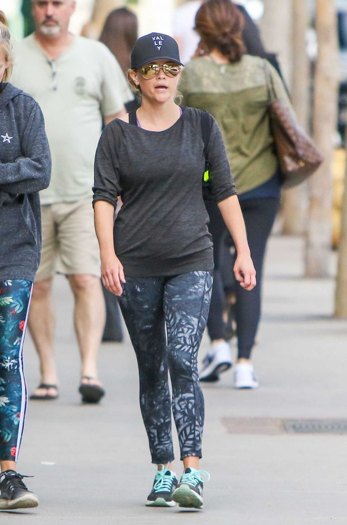 Reese Witherspoon Leaves the Gym in Los Angeles-1