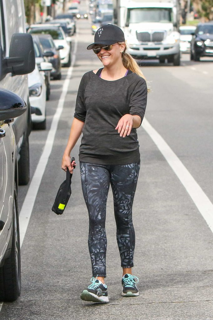 Reese Witherspoon Leaves the Gym in Los Angeles-4