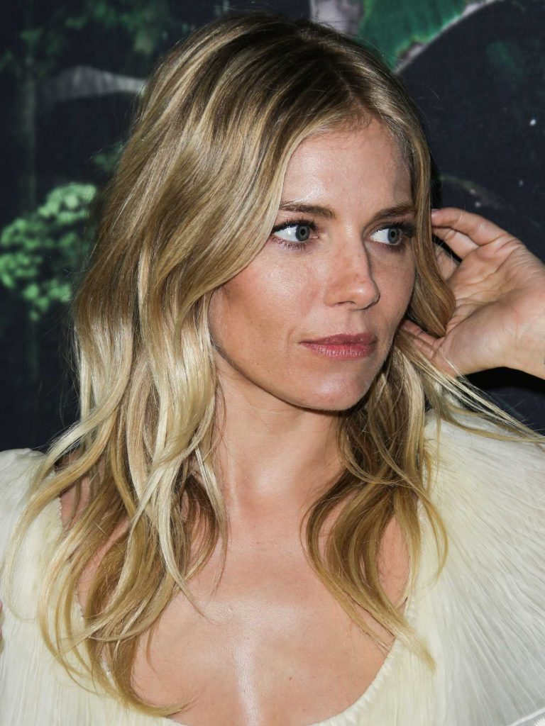 Sienna Miller at The Lost City of Z Premiere in Los Angeles-4