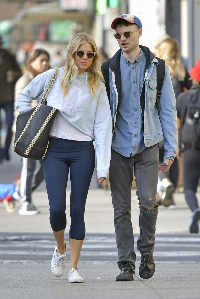 Sienna Miller Was Seen With Her Ex-Fiance Tom Sturridge Out in New York City-1